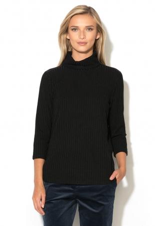 Bluza neagra tricotata cu guler inalt Sonnie b.young