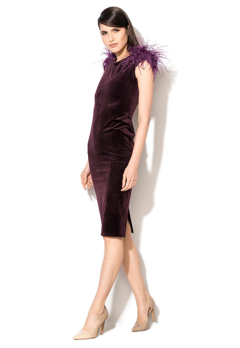 Rochie violet pruna catifelata si cu aplicatii cu pene Zee Lane Collection
