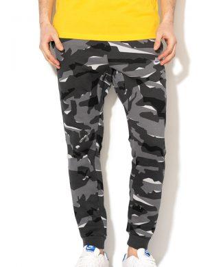 Pantaloni sport cu model camuflaj si snur 22-pantaloni-Nike