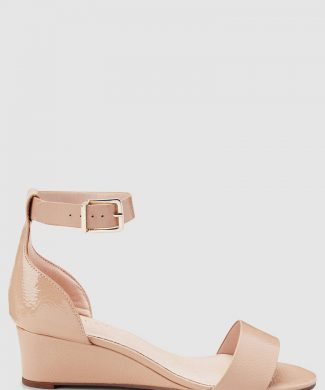 Sandale wedge cu bareta pe glezna si aspect lacuit-sandale-NEXT